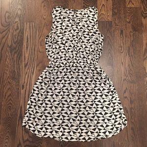 B&W triangle print dress